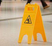 Accident dans un magasin : les clients pourraient être mieux protégés